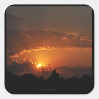 Sonnenuntergang-goldene Strahlen Quadratischer Aufkleber