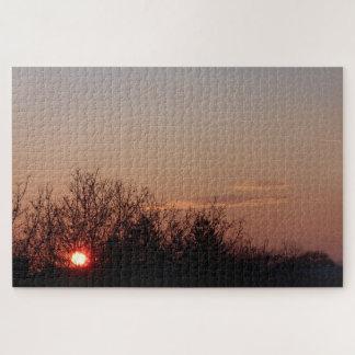 Sonnenuntergang hinter den Bäumen Puzzle