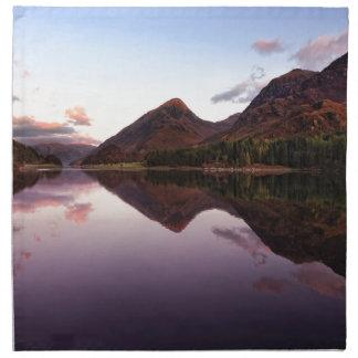 Sonnenuntergang in Loch Leven, Schottland Serviette