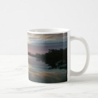 Sonnenuntergang in Meer Tasse