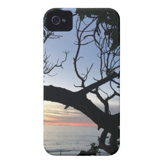 Sonnenuntergang mit Bäumen iPhone 4 Hülle