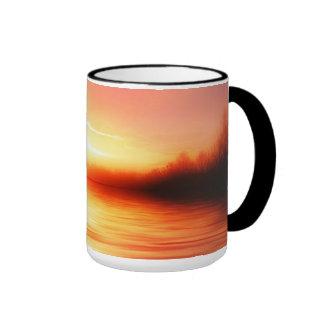 Sonnenuntergang mit Rosa, Rottönen und Orangen Ringer Tasse
