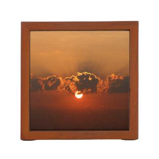 Sonnenuntergang mit Wolken Stifthalter