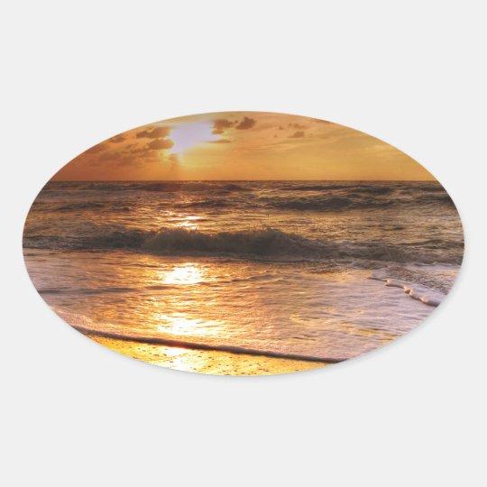 Sonnenuntergang Ovaler Aufkleber