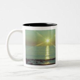 Sonnenuntergang-Ozean-Kaffee-Tasse Zweifarbige Tasse
