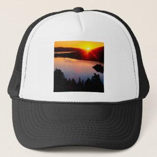 Sonnenuntergang-Smaragdbucht Lake Tahoe Truckerkappe