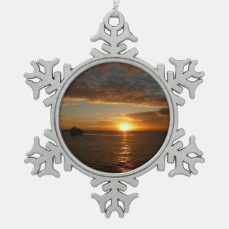 Sonnenuntergang tropischen Meerblick am Meerii Schneeflocken Zinn-Ornament