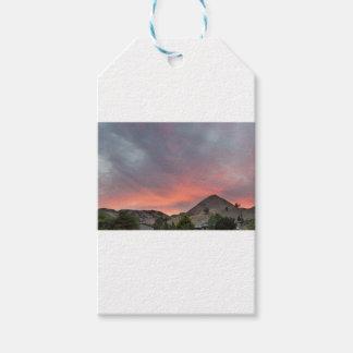 Sonnenuntergang über Ackerland in Mitteloregon Geschenkanhänger