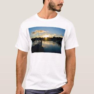 Sonnenuntergang über Cape Cod T-Shirt