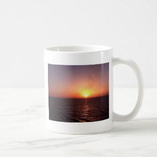 Sonnenuntergang über dem Meer Kaffeetasse