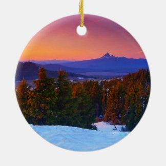 Sonnenuntergang über den Kaskaden Rundes Keramik Ornament