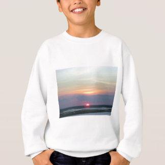 Sonnenuntergang über der Bucht in Margate, NJ Sweatshirt