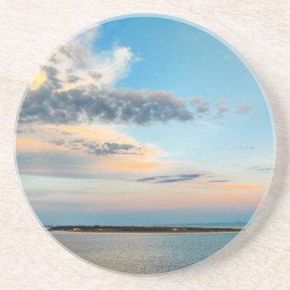 Sonnenuntergang über der Insel Untersetzer
