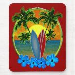 Sonnenuntergang und Surfbretter Mousepads