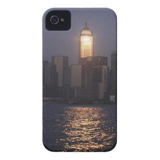 Sonnenuntergangreflexion auf zentraler Piazza Wan iPhone 4 Case-Mate Hülle
