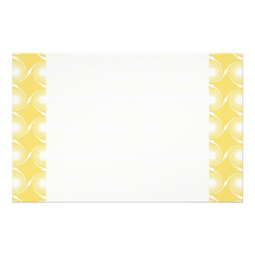 Sonniges gelbes und weißes Strudel-Muster. Gewohnh Individuelles Büropapier
