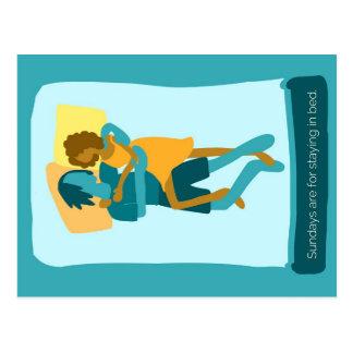 Sonntage sind für das Bleiben im Bett Postkarte