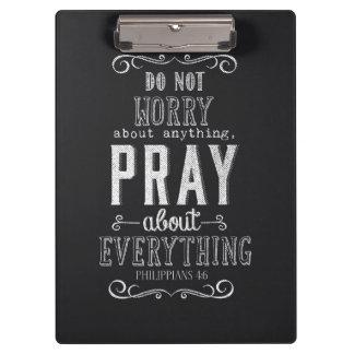 Sorgen Sie sich um nichts beten über alles
