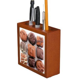 Sortierter Schokoladen-Schreibtisch-Organisator