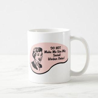 Sozialarbeiter-Stimme Tee Tassen