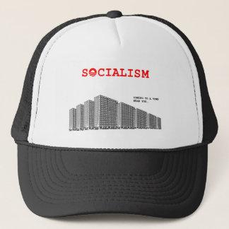 Sozialismus, der zu einer Stadt nahe you.png kommt Truckerkappe