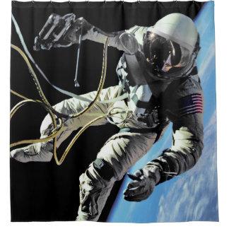 Spacewalk-Foto der NASAs erste amerikanisches Duschvorhang