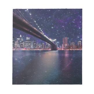 Spacey Manhattan Skyline Notizblock