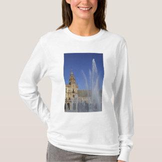 Spanien, Sevilla, Andalusien-Brunnen und T-Shirt