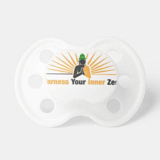 Spannen Sie Ihren inneren Zen vor Schnuller