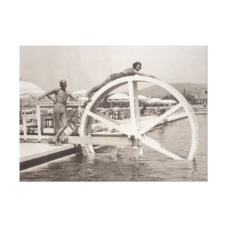 Spaß auf dem Strand im Jahre 1930 s in Cannes Leinwanddruck