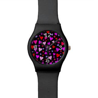 Spaß-rotes, rosa, lila u. magentarotes Herz-Muster Uhr