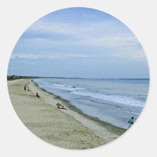 Spaß-Tage auf dem Strand! Runder Aufkleber