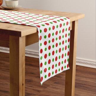 Spaß-Weihnachtsrot und Kiefern-grüne Tupfen Kurzer Tischläufer