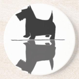 Spaßkünstlerische Scottish-Terrier-Reflexionen Sandstein Untersetzer