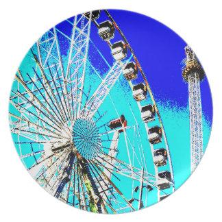 Spaßmesse im Amsterdam-Riesenrad und im hohen Turm Teller
