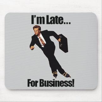 Spät für Geschäftrollerblade-Skater Meme Mauspad