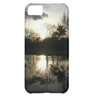 Spät in dem See (Natur u. Landschaft) iPhone 5C Hülle