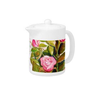 Späte Frühlings-Rosen-Teekanne