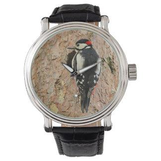 Specht auf seinem Baum Armbanduhr