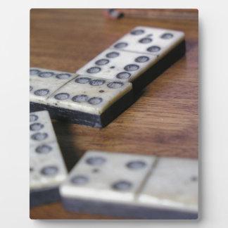 Spiel-Tabellen-Domino-Domino-hölzernes altes Fotoplatte