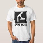 Spiel über neuem Baby für Elternteil-Vati T-shirt