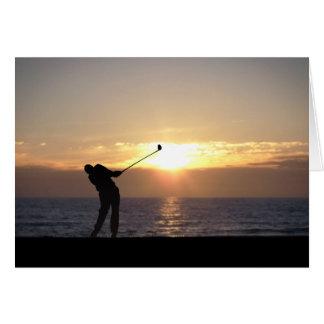 Spielen des Golfs am Sonnenuntergang Karte