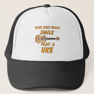 Spielen Sie ein Uke Truckerkappe