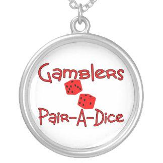 Spieler passen einen Würfel zusammen Halskette Mit Rundem Anhänger