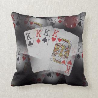 Spielkarte-Viererkabel-Könige Layered Pattern, Kissen