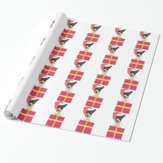 Spielzeugfox-Terrier im Geschenkpapier
