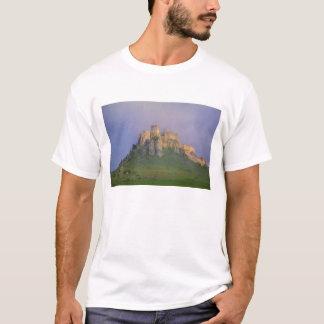 Spissky hrad im Nebel, Slowakei T-Shirt