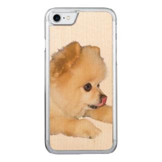 Spitz-Hund, der heraus Zunge haftet Carved iPhone 8/7 Hülle