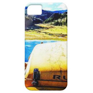 Spitze eines gelben Jeeps mit Bergen Hülle Fürs iPhone 5