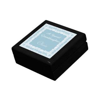 Spitze-Rahmen-blaue Enkelin personalisiert Schmuckschachtel